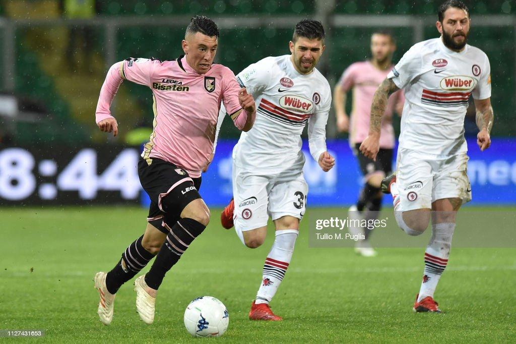 US Citta di Palermo v Foggia - Serie B : News Photo