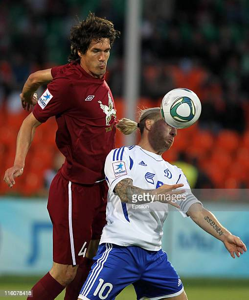 Cesar Navas of FC Rubin Kazan battles for the ball with Andriy Voronin of FC Dinamo Moscow during the Russian Football League Championship match...