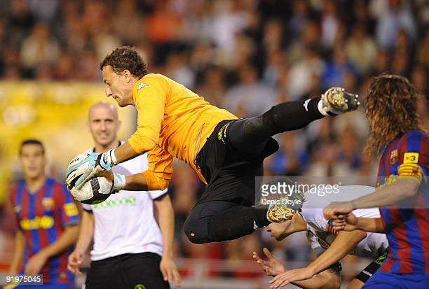Cesar Sanchez of Valencia catches the ball from a cross during the La Liga Match between Valencia and Barcelona at Estadio Mestalla on October 17...