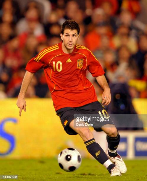 Cesc Fabregas of Spain controls the ball during a friendly International soccer match between Spain and the United States at El Sardinero stadium on...