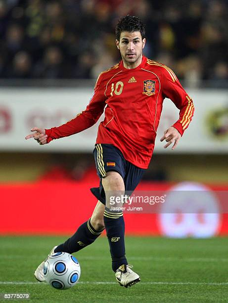Cesc Fabregas of Spain passes the ball during the international friendly match between Spain and Chile at the El Madrigal stadium on November 19 2008...