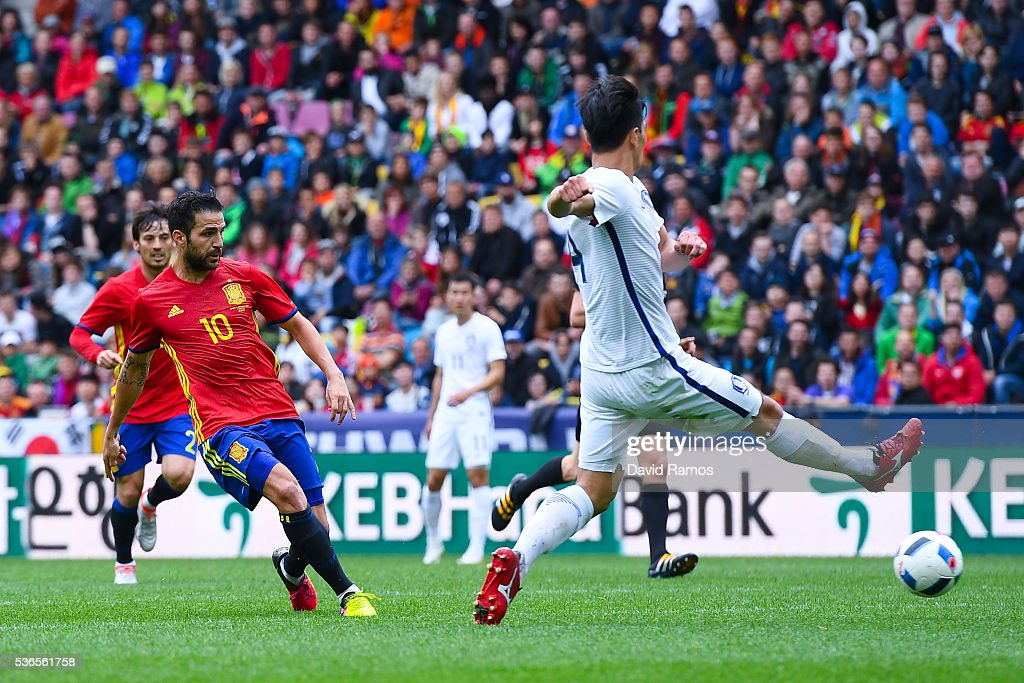 Cesc Fabregas of Spain scores his team's second goal during an international friendly match between Spain and Korea at the Red Bull Arena stadium on June 1, 2016 in Salzburg, Austria.