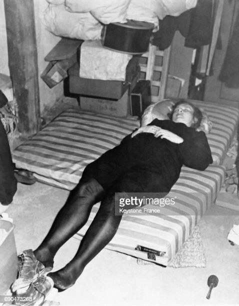 Cette femme nazie s'est suicidée à l'arrivée des Forces Alliées à Schweinfurt Allemagne en 1945