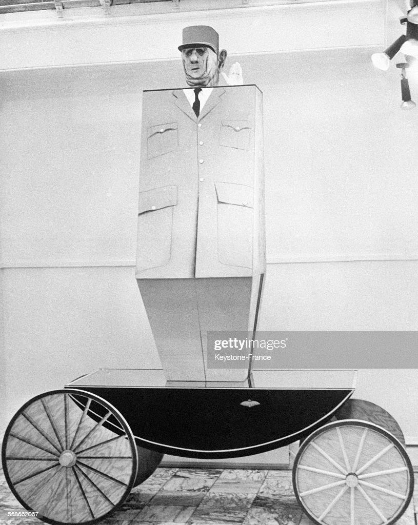 Sculpture à l'effigie du Général de Gaulle : Nieuwsfoto's