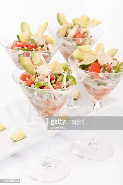 ceviche en bastante copas de martini - ceviche fotografías e imágenes de stock
