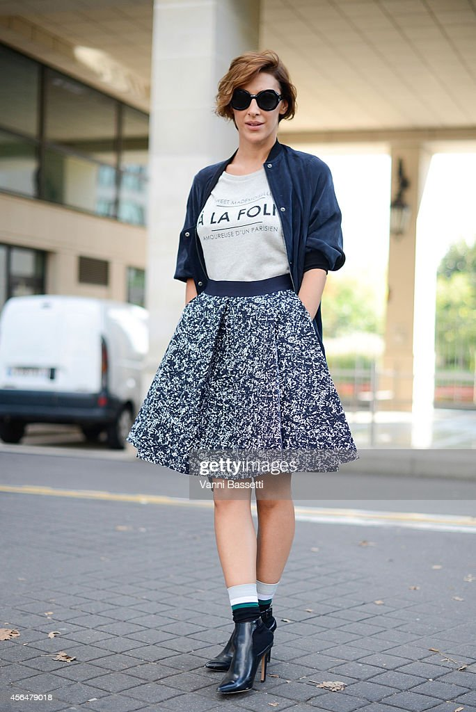 Street Style - Paris Fashion Week, Womenswear S/S 2015 : October 1st : News Photo