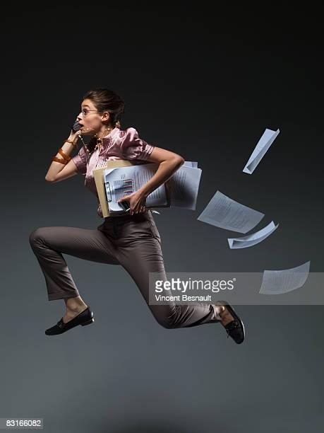 cf049922.tif - woman hurry stockfoto's en -beelden