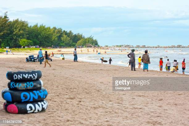 cha-am beach in phetchaburi - gwengoat stock pictures, royalty-free photos & images