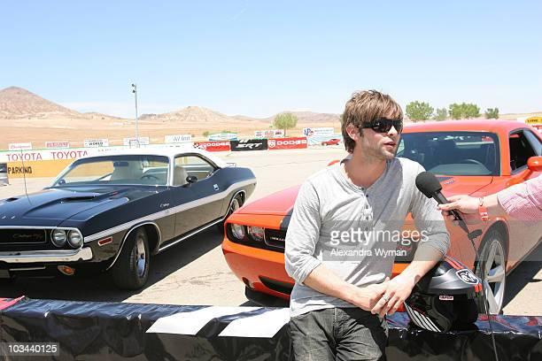 60 Top Dodge Challenger Celebrity Drag Race Pictures, Photos