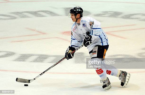 Chad Bassen of Straubing in action during the DEL match between Frankfurt Lions and Straubing Tigers at the Eissporthalle on December 5 2008 in...