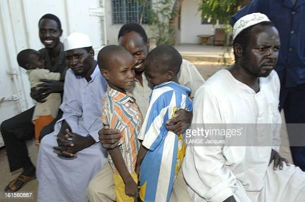 False Orphans Of L'arche De Zoe Prétendant sauver les enfants du Darfour l'association française 'L'Arche de Zoé' a tenté d'évacuer illégalement du...