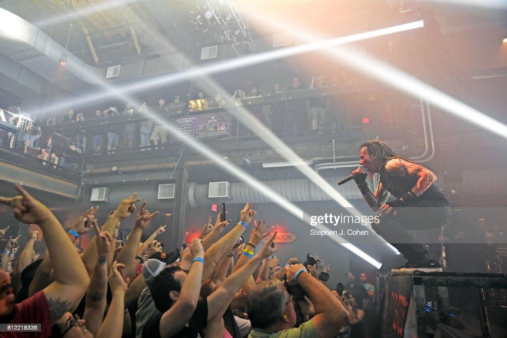 Hellyeah In Concert - Louisville, KY