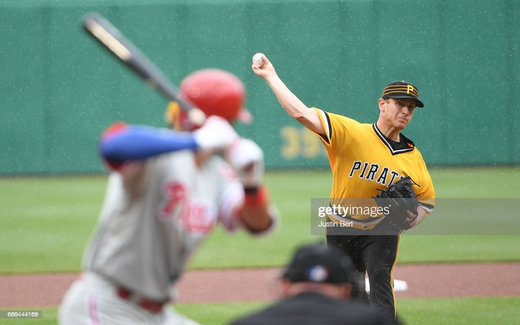 Chad Kuhl #39 of the Pittsburgh Pirates delivers a pitch during the game against the Philadelphia Phillies at PNC Park on May 21, 2017 in Pittsburgh, Pennsylvania.