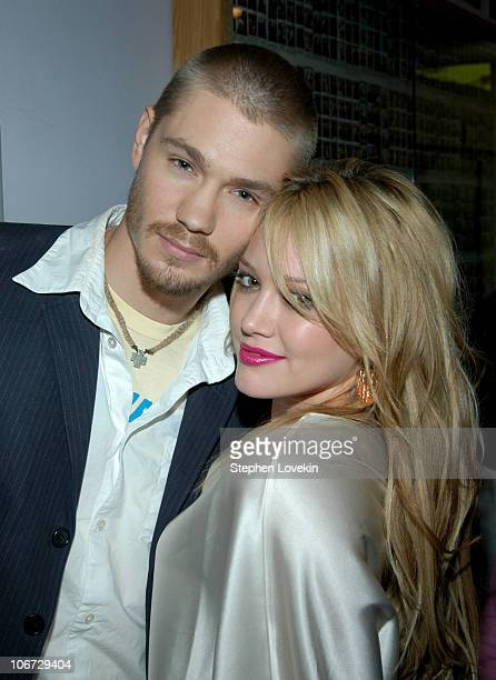 Chad Michael Murray and Hilary Duff during Hilary Duff Chad Michael Murray and Sophia Bush Visit MTV's 'TRL' July 15 2004 at MTV Studios in New York...