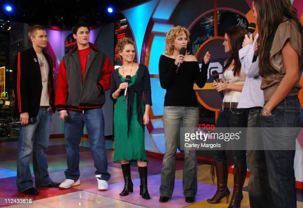 Chad Michael Murray James Lafferty Bethany Joy Lenz Hilarie Burton and Sophia Bush of 'One Tree Hill' with Damien Fahey and Vanessa Minnillo