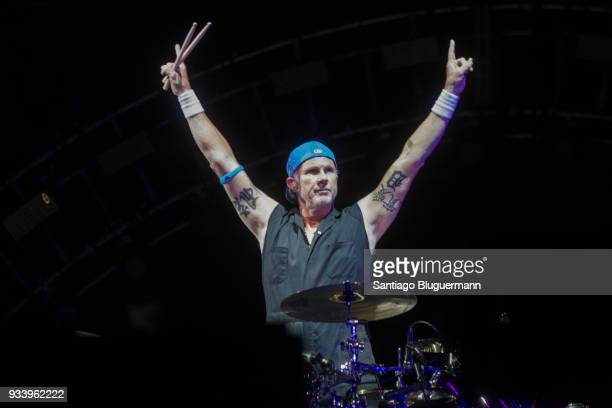 Chad Smith drummer of Red Hot Chili Peppers performs during the first day of Lollapalooza Buenos Aires 2018 at Hipodromo de San Isidro on March 16...