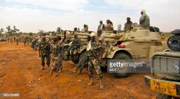 Chadian forces in Niger wait before deployment to northern Mali Chad says it is sending 2200 troops to back France's war against Islamist rebels