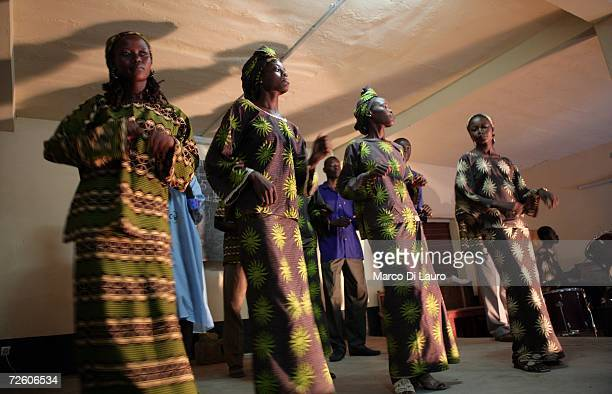N'DJAMENA CHAD NOVEMBER 5 Chadian woman perform at an Evangelic function on November 5 2006 in N'Djamena Chad Chad declared a state of emergency in...