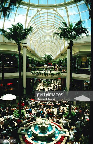 chadstone shopping centre in the south east suburb of melbourne - chadstone shopping centre stock pictures, royalty-free photos & images