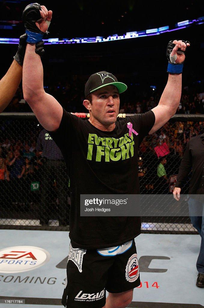 UFC on FOX Sports 1: Shogun v Sonnen : Foto jornalística