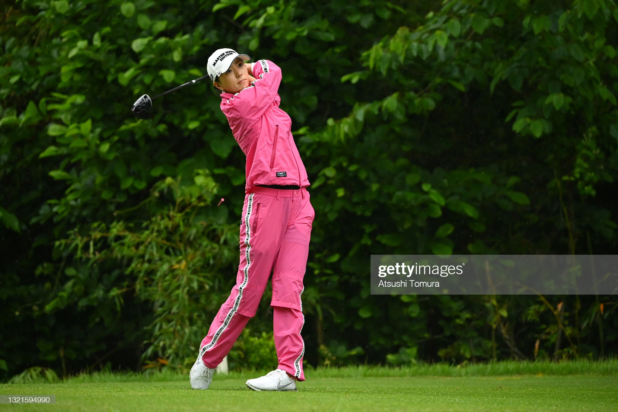 https://media.gettyimages.com/photos/chaeyoung-yoon-of-south-korea-hits-her-tee-shot-on-the-2nd-hole-the-picture-id1321594990?s=2048x2048