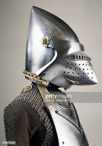 Chain mail armour and bascinet with pig faced snout , ca 1410, made in Milan. Italy, 15th century. Sluderno, Armeria Trapp Del Castel Coira