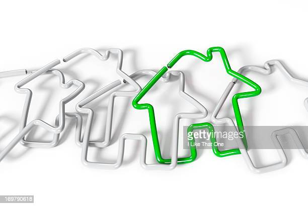A chain of house shaped paperclips linked