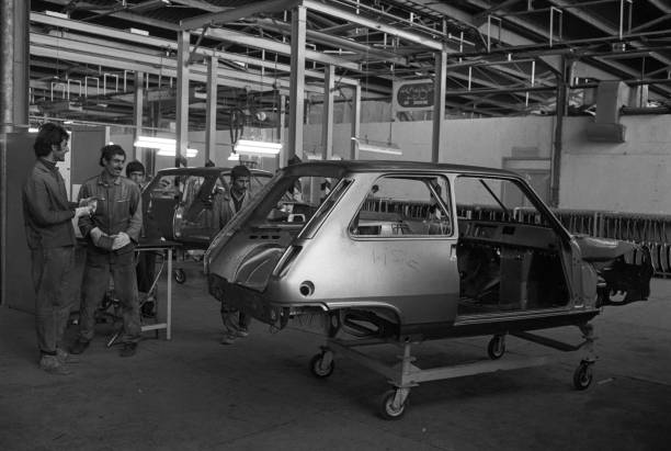 Usine Renault Thran En 1976 Pictures Getty Images