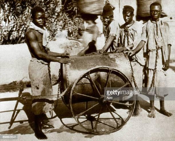 chained slaves in Zanzibar Tanzania c 18601870
