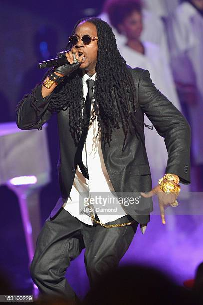 Chainz performs onstage at the 2012 BET Hip Hop Awards at Boisfeuillet Jones Atlanta Civic Center on September 29, 2012 in Atlanta, Georgia.