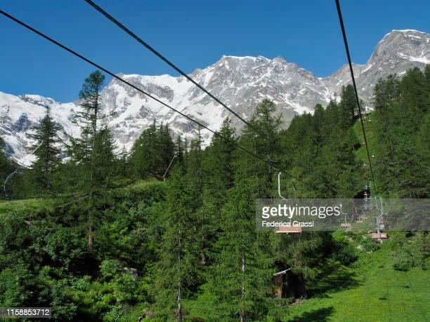 chairlift from alpe burki to belvedere glacier on monte rosa - monte rosa foto e immagini stock