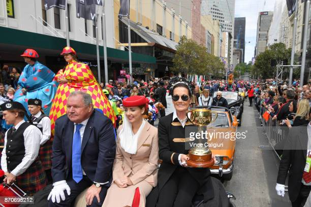 Chairman Amanda Elliott poses with The 2017 Melbourne Cup alongside Lord Mayor Robert Doyle during the 2017 Melbourne CupParade on November 6 2017 in...