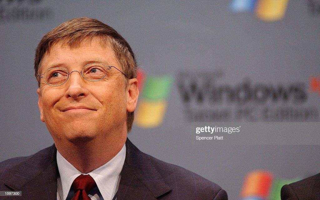 Gates Introduces Tablet PC : News Photo