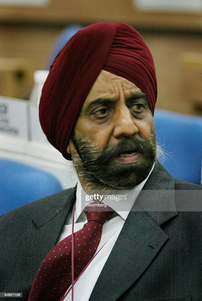 Chairman and Managing Director of Punjab National Bank S S Kohli is pictured at the BanCon 2004 bankers` conference in New Delhi India Wednesday...