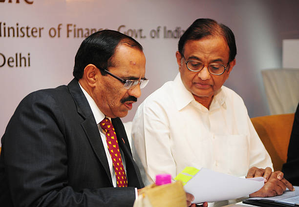 Chairman and MD Punjab National Bank K R Kamath along with Finance Minister P Chidambaram at PNB met life insurance joint venture press conference on.