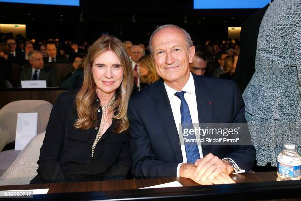 Chairman Chief Executive Officer of L'Oreal and Chairman of the L'Oreal Foundation JeanPaul Agon and his wife Sophie attend the 2018 L'Oreal UNESCO...