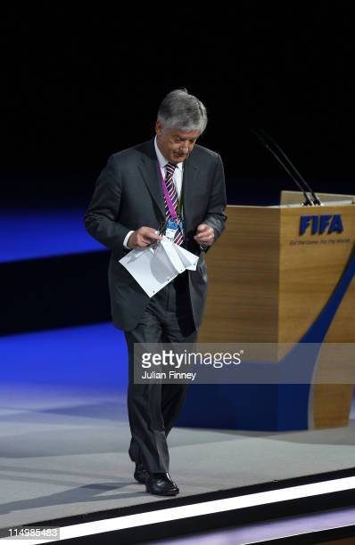 Chairman, David Bernstein leaves the stage after speaking during the 61st FIFA Congress at Hallenstadion on June 1, 2011 in Zurich, Switzerland.