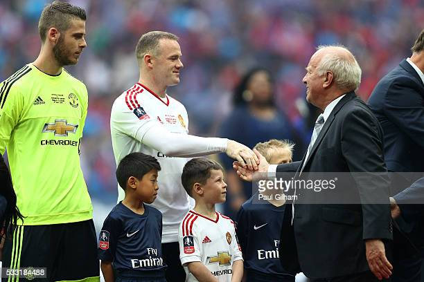 Chairman Greg Dyke shakes hands with captain Wayne Rooney of Manchester United prior to The Emirates FA Cup Final match between Manchester United and...