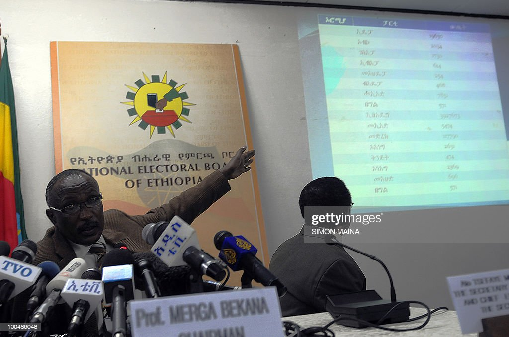 Chairman of Naitional Electoral Board of Ethiopia Prof Merga Bekana shows some preliminary results of the just 24 May 2010 concluded country wide election in Addis Ababa.Ethiopian ruling party since 1991 is overwhelmingly leading sunday parlimentary elections according to preliminary results released by the National electoral bord of Ethiopia on monday night. Prime minister meles' zenawi party is winning in all the provinces of the country including opposition main strongholds like the capital Addis Ababa, or Oromiya region.