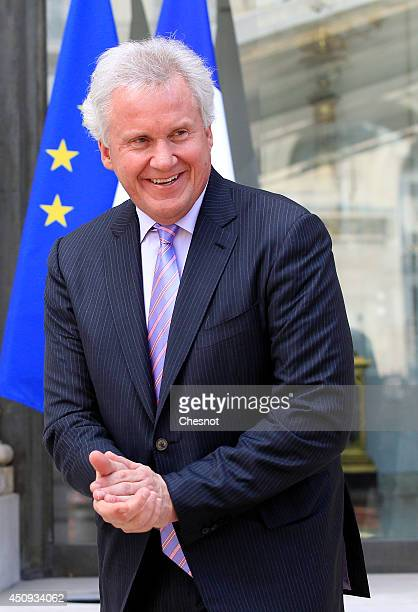 Chairman of the board and CO of the american conglomerate General Electric Jeffrey R Immelt leaves after a meeting with French President on June 20...