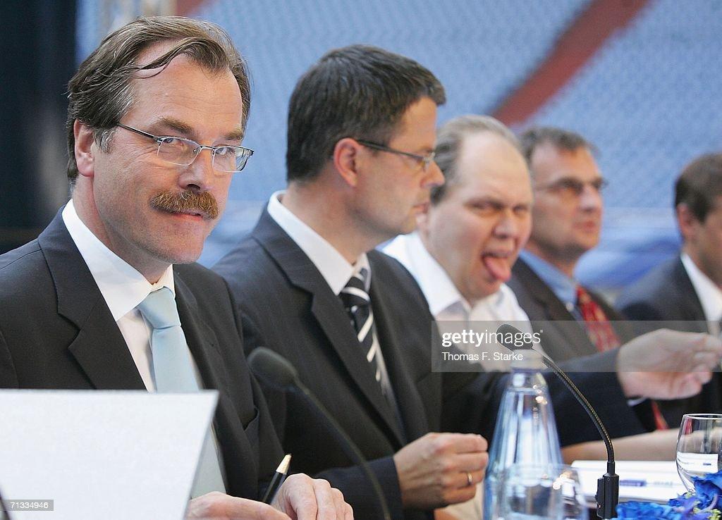 General Meeting of Schalke 04 : News Photo