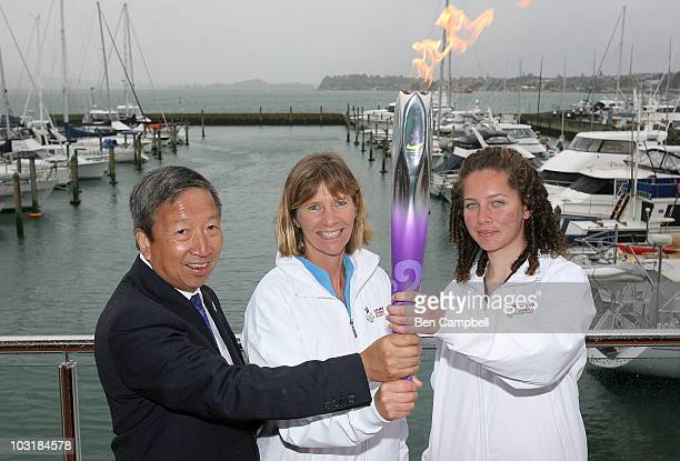 Chairman of the Singapore Youth Olympic Committee Ng Ser Miang, Youth Olympic Games ambassador Barbara Kendall and New Zealand Youth Olympic team...
