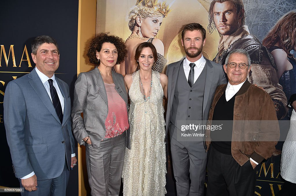 "Premiere Of Universal Pictures' ""The Huntsman: Winter's War"" - Red Carpet : News Photo"