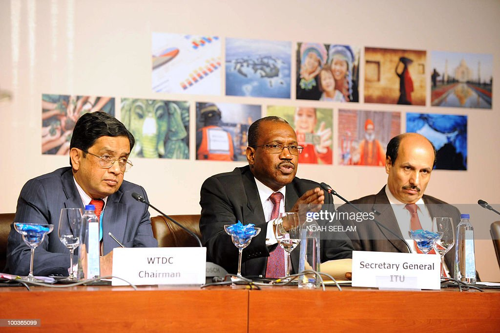 Chairman of World Telecommunication Development Conference (WTDC) P.J.Thomas, international secretary for International Telecommunications Union (ITU) Hamadoun Toure and director of BDT Sami Ali Basheer attend a press conference during the opening of the World Telecommunication development Conference at the Hyderabad International Convention Center (HICC) on May 24, 2010. The fifth World Telecommunication Development Conference runs from May 24 to June 4. AFP PHOTO/Noah SEELAM