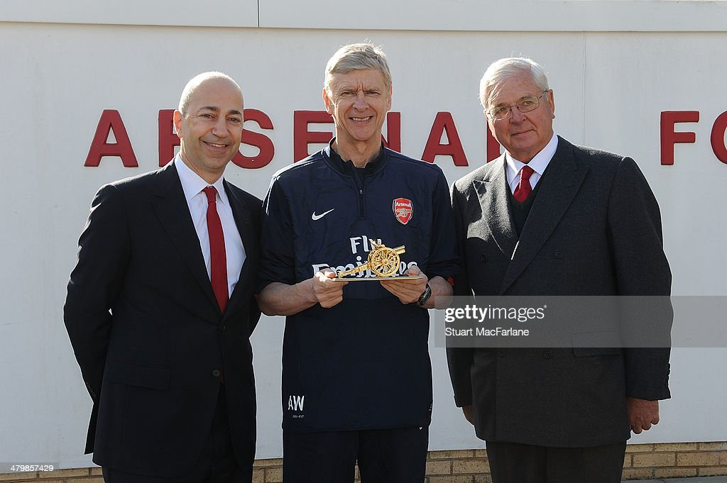 Arsene Wenger's 1000th Game Presentation : News Photo