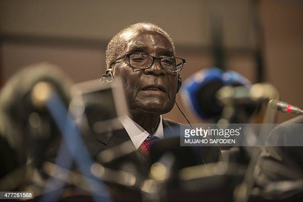 Chairperson of the African Union Summit President Robert Mugabe gives his closing statements at the end of the 25th AU summit held in Sandton...
