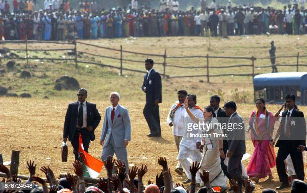 UPA chairperson Sonia Gandhi starts her Gujarat Election Campaign from village JamanPada in Distt Navsari 400Kms from Ahmedabad in South Gujarat More...
