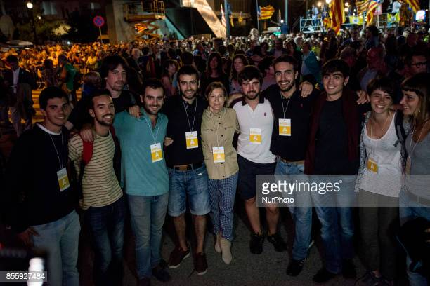 Chairwoman of the Parlament Carme Forcadell with a group of artists during the closing campaign rally for the 'Yes' vote in the independence...