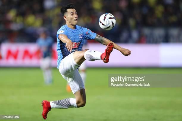 Chalermsak Aukkee of Bangkok Glass FC in action during the Thai League 1 match between Bangkok Glass FC and Buriram United at LEO Stadium on June 9,...