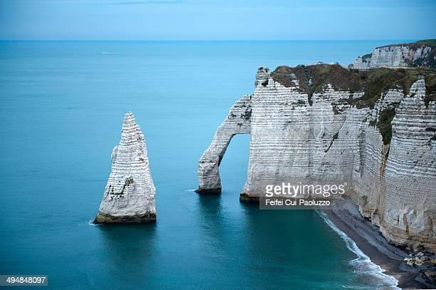 Chalk arch and cliff of Étretat, Seine-Maritime department, Normandy Region, France.